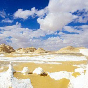 Overnight Safari Trip to Bahariya and White Desert